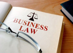 Business Laws : How to Become a Corporate Lawyer